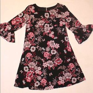Jessica Howard black floral dress